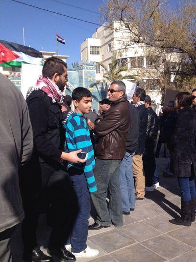 الجمعة, 17 كانون ثاني, 2014 Friday, 17 January, 2014 وقفة احتجاجية امام السفارة العراقية في عمان ضد حكومة المالكي الطائفية