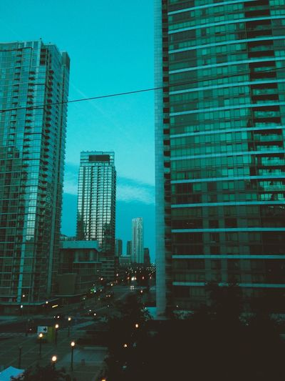 girls calling cabs at dawn quarter to seven Themorning Houseofballoons  Theweeknd Toronto Torontophotographer Sunday Morning Dawn Cityscape City Life City Street