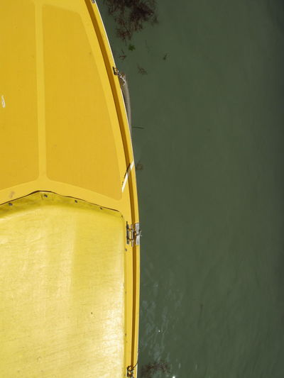 Yellow & Green (Venice, Italy May 2012) Ph. Valerio Corzani Canal And Waterway Green Color Venezia Venice, Italy Boat Boat In Venice Style Canal Veneto Venezia #venice Venice