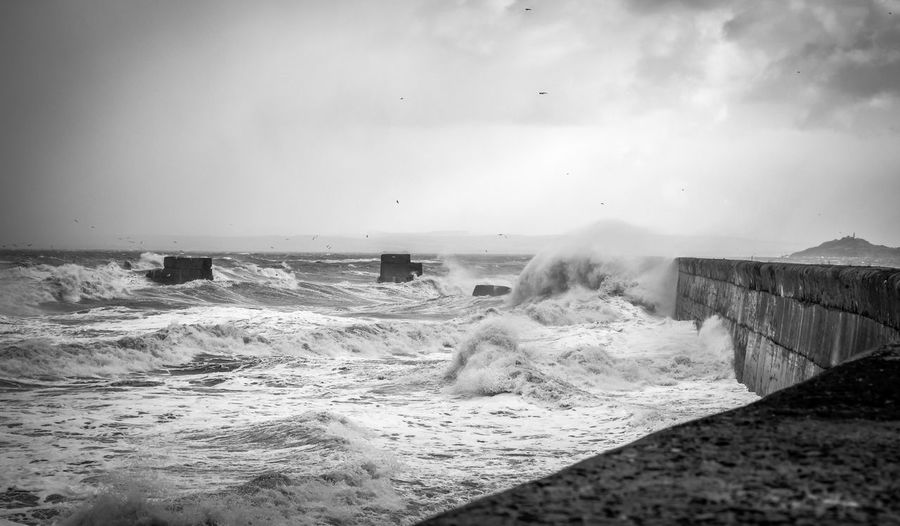 Waves today where just Amazing! 🤩💥📸 ⬇️⬇️New Video is up⬇️⬇️ https://youtu.be/h7OVCOGZTTo Beauty In Nature Crash Day Force Hitting Horizon Over Water Long Exposure Motion Nature No People Outdoors Power In Nature Scenics Sea Sky Splashing Water Wave