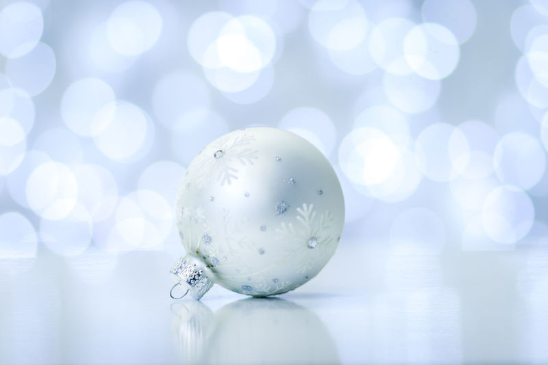 Botany Christmas Christmas Decoration Christmas Ornament Christmas Tree Close-up Defocused Monochromatic No People Shiny Snowflake Sphere White Color