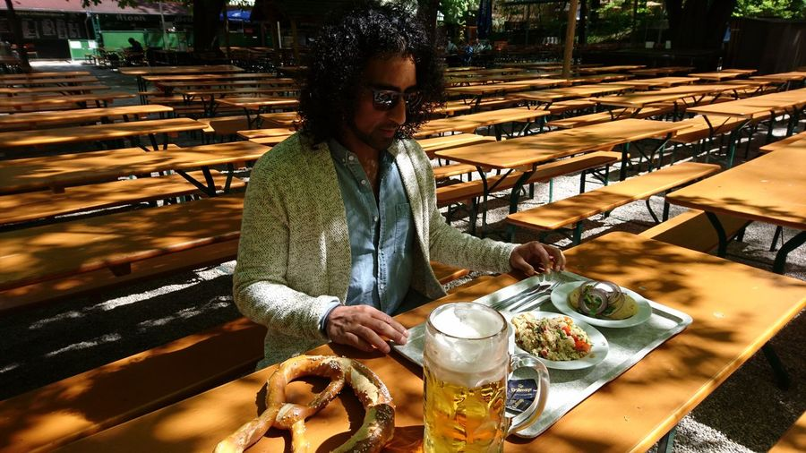 Beergarden with a friend. · München Munich Bayern Bavaria Germany M 089 Augustiner Augustiner-biergarten Beergarden  Beer Breakfast Food Abundance Benches Sun Beautiful Day