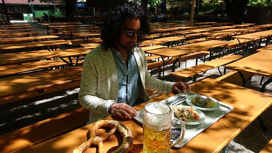 Beergarden with a friend. · München Munich Bayern Bavaria Germany M 089 Augustiner Augustiner-biergarten Beergarden  Beer Breakfast Food Abundance Benches Sun Beautiful Day