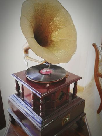 gramophone His Master Voice Record Music Turntable Record Gramophone Old-fashioned Arts Culture And Entertainment Retro Styled Audio Equipment Record Player Needle Table Technology Musical Instrument Indoors  Antique Home Interior No People Close-up Day