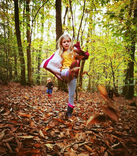 Child Childhood Full Length Autumn People Happiness Nature Outdoors Family Family Time Daughter 13096644 What Who Where BYOPaper!
