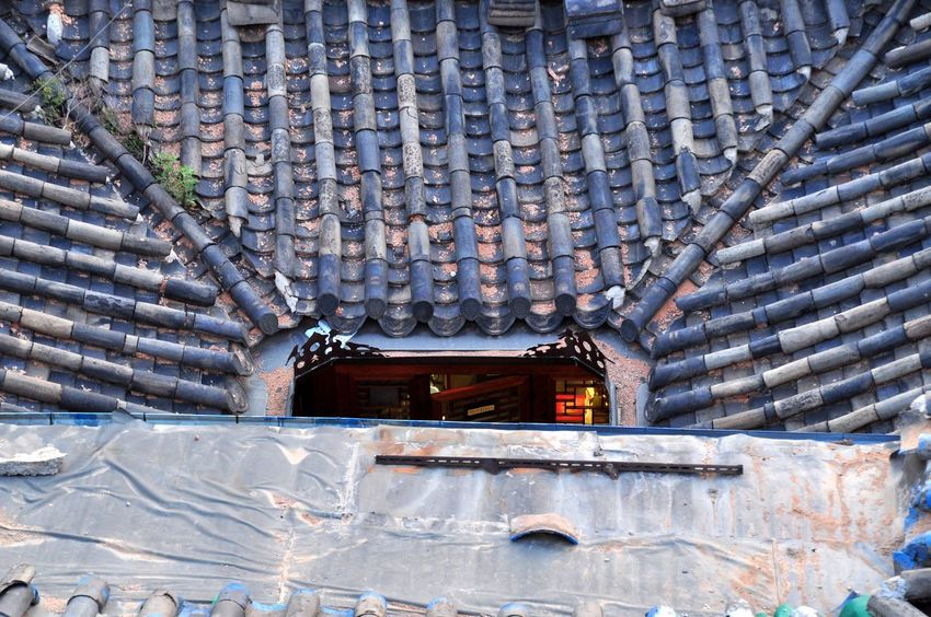 Traditional Building Seoul, Korea Oksk Photopackers Built Structure Architecture Pattern No People Day Roof Building Exterior History Wall - Building Feature