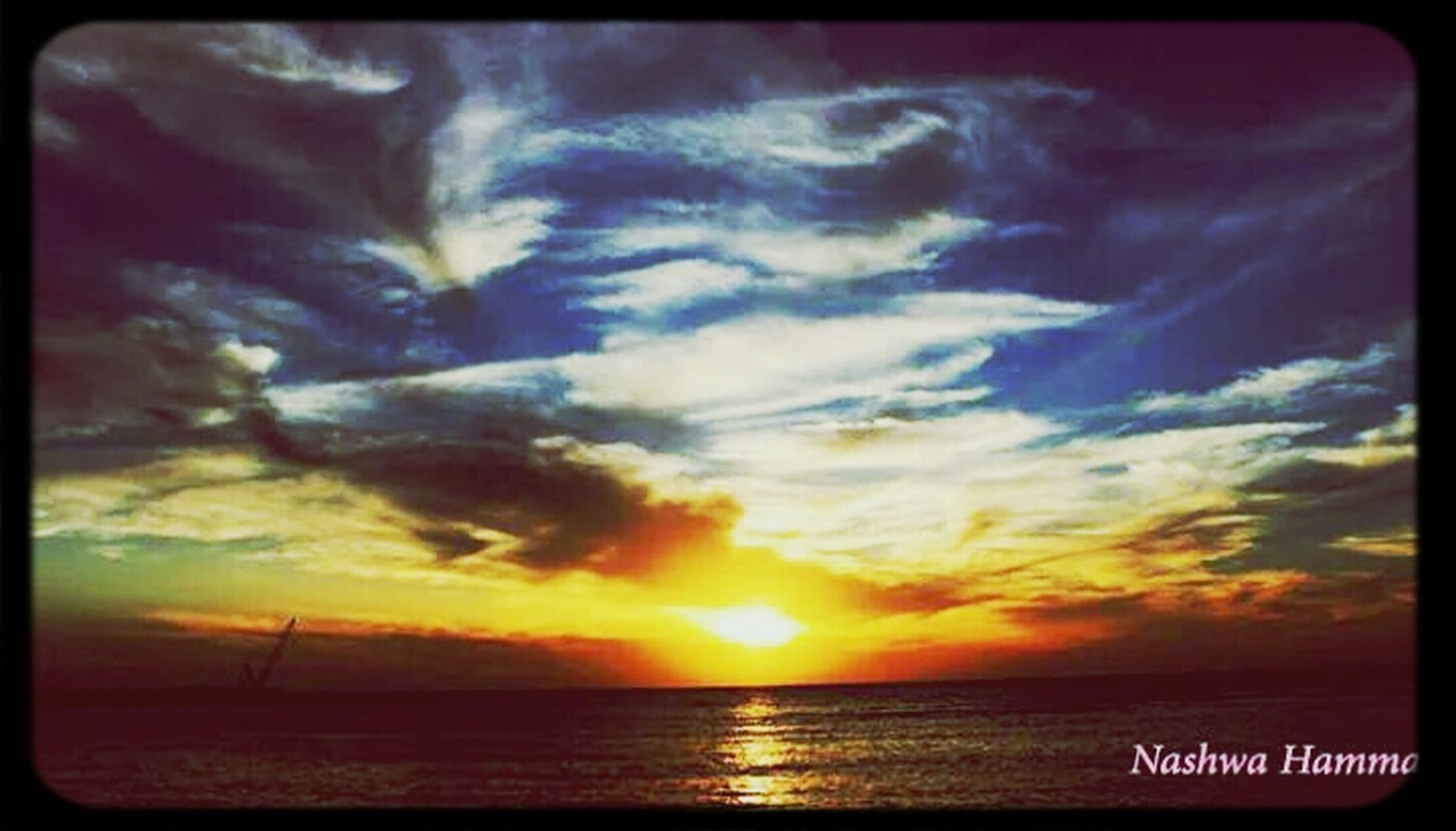 sunset, sea, horizon over water, water, scenics, sky, beauty in nature, tranquil scene, sun, tranquility, orange color, transfer print, idyllic, nature, cloud - sky, beach, cloud, auto post production filter, sunlight, shore