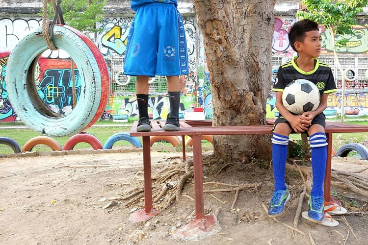 Boys Day Standing Front View Outdoors People Two People Sport Playing Childhood Full Length Child Real People Fujifilm_xseries Streetphotography Lifestyles Street Football Soccer
