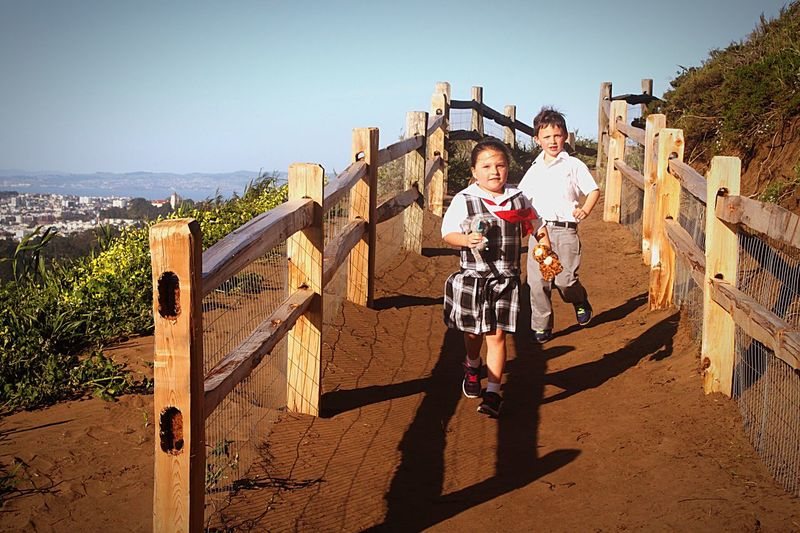 Sunlight Boys Girl Childhood Leisure Activity Outdoors Sunset Park Happy Happy People Day People Sky Children Run Brother & Sister Warm Warm Colors Happiness San Francisco Grand View Park