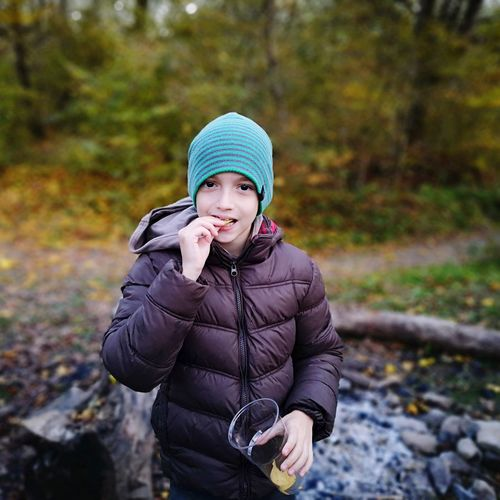 chips Warm Clothing Portrait Cold Temperature Winter Autumn Looking At Camera Beauty Women Scarf Young Women Hiker