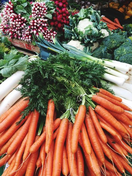 Fresh vegetables on a Local market Booth Vegetables Vegetable Vegetables & Fruits Vegetarian Karotten Food Market Market Stall Fresh Produce Organic Food Organic Fresh Food Carrots Carrot Diet Dietfood Freiburg