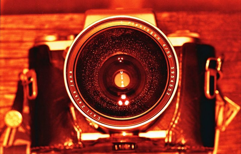 Pentacon Six Lomography Analogue Photography Redscale Yashica Dental Eye 2 with DIY Redscale Film self developed in Tetenal Colortec C-41