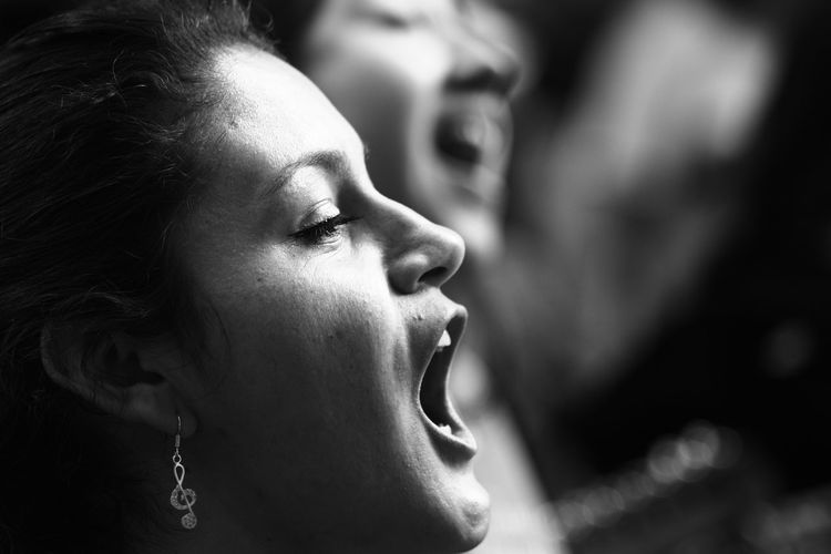 Close-up Portrait Lifestyles Real People Fotografia Streetphotography Fotodecalle Photodocumentary Fotodocumental Ciudad De México Performance Traditional Culture Gentenormal Nofilter Sin Filtros Noedit Person Beautiful People Women Singer  Music Singer  Cantante