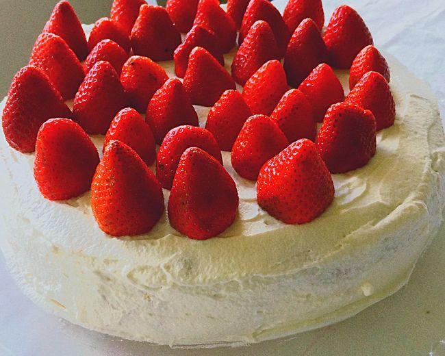 Loving Cake Strawberries Touparachefdoanocj