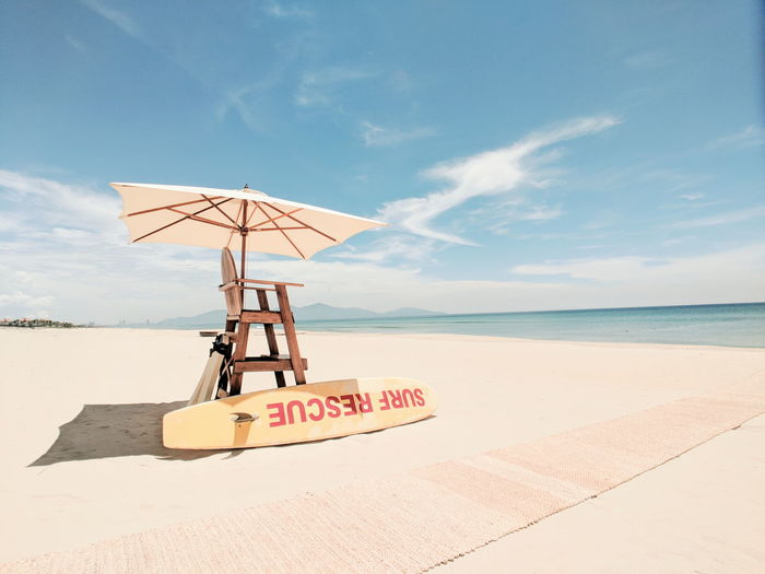 Vietnam Vietnamtravel Sand Dune Water Sea Beach Sand Summer Lifeguard  Protection Safety Heat - Temperature Beach Umbrella Seascape Tranquil Scene Parasol Calm Coast Ocean Tide Canopy Sunshade Umbrella The Great Outdoors - 2018 EyeEm Awards
