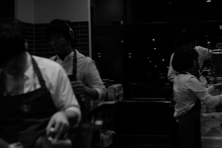 In the starbucks Japan Japanese  Fuji X-T1 FUJIFILM X-T1 Carl Zeiss Jena Pancolar 50mm F2 Cafe Starbucks Black And White Photography Black And White