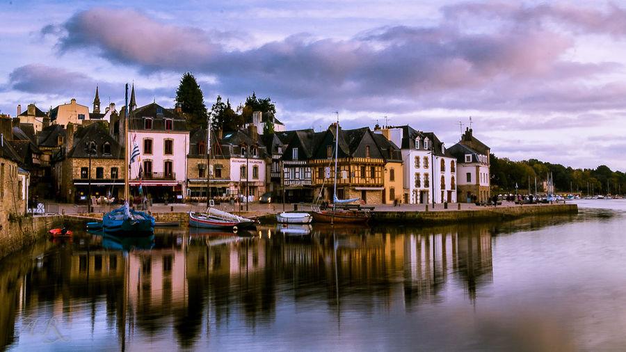 Bretagne Saint Goustan 56 Architecture City Harbor Paysage De France Port Reflection Travel Destinations