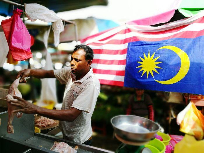 Patriotic chicken seller Bangsar Kuala Lumpur Malaysia  Kuala Lumpur Lucky Garden Wet Market Oopsygram HuaweiP9 Malaysian Flag Jalurgemilang
