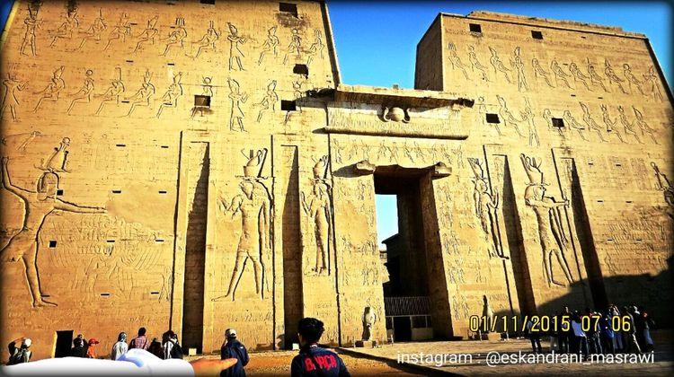 Temple Luxur , Egypt First Eyeem Photo Turist Beginner Egypt Golden Pharaohs Eskandrani_masrawi Places
