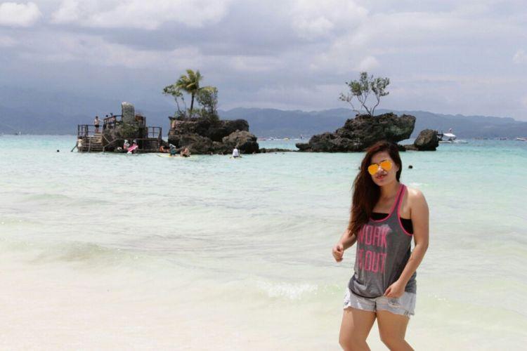 Islandselfie👌 Boracay Island, Philippines Enjoying Life Hello World Enjoyinglife  Itsmorefuninthephilippines Cheese! Explore Taking Photos Traveltime Bestgetawayever