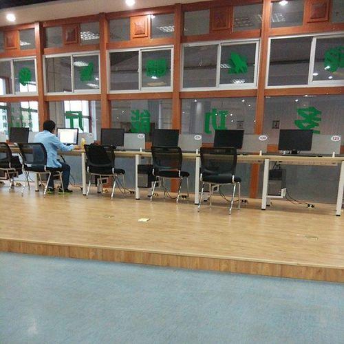 我们的图书馆阅览室