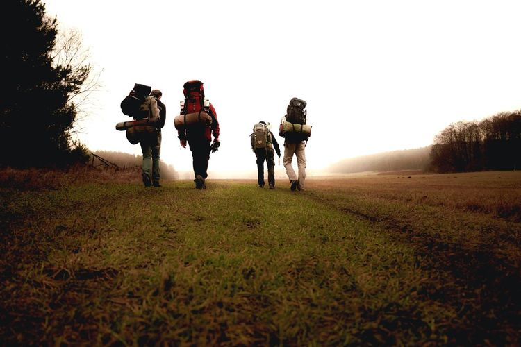 Backpacking EyeEmNewHere Walking People Army Soldier Adult Full Length Silhouette Healthy Lifestyle Exercising Sport Togetherness Men Day Following Outdoors Grass Army Friendship Adults Only Only Men Military nicospecial.de Nicospecial Backpack Outside Outdoor The Week On EyeEm The Great Outdoors - 2018 EyeEm Awards