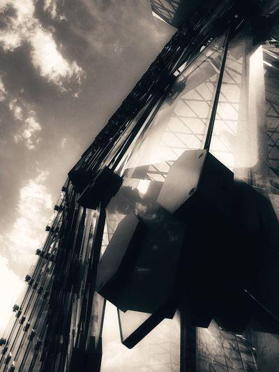 Elégance Architecture Summer Views Skyporn Clouds Metal Fine Art Structure Reflections Shadow Beauty The Week Of Eyeem Sky Urban Urban Exploration Artistic Taking Photos Windows London Art Beautiful ♥