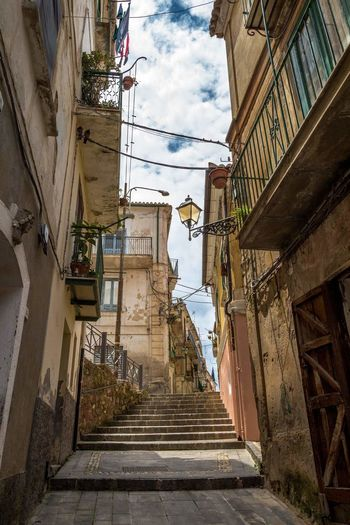Urban Exploration Eyem Best Shots Traveling Urlaub ❤ Altstadt Pictureoftheday Holiday Canonphotography Bella Italia Italy Streetart Calabria Pizzo Old Buildings Old Town