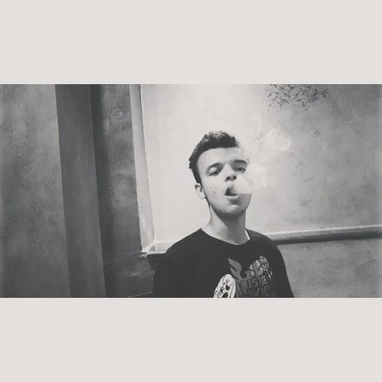 Follow4follow Love Feeling Good Likeforlike Blackandwhite Feelinghigh Smoking Man