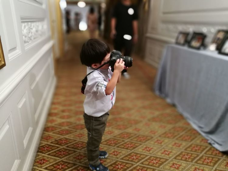 Child Males  Children Only One Person One Boy Only Childhood Boys Full Length People Lifestyles Indoors  Playing Domestic Room Day Photographer Kid Young Camera Take A Shot Shooting Capture Standing The Photojournalist - 2017 EyeEm Awards