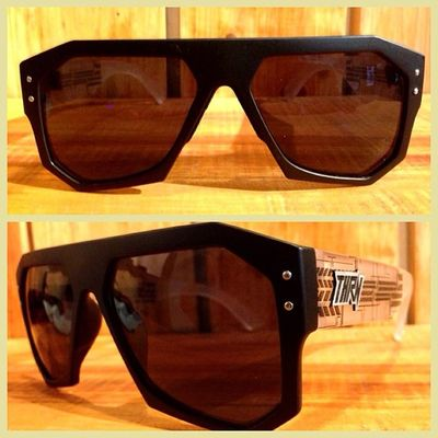 NEW! VENOMIC BLACK - NATURAL! Order now 08990125182 / 266761B8 ! Throne Sunglasses Summer
