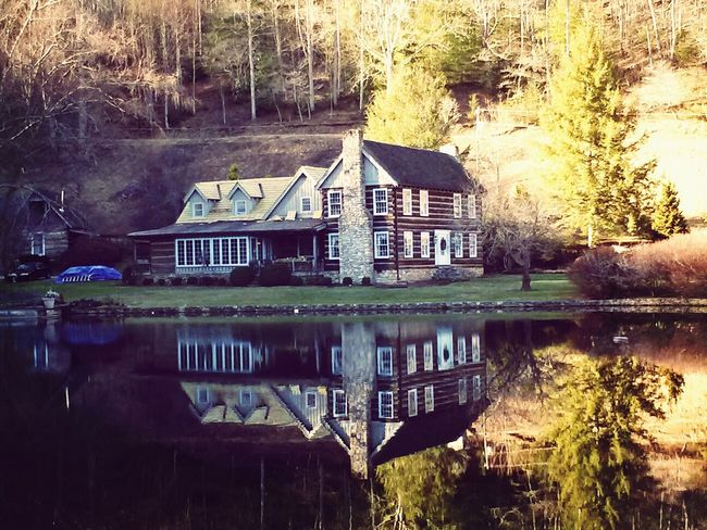 """The main cottage on Boyd Christmas Tree Farm. We loved our cabin there called the """"little cosby."""" Cant wait to go back!!!! Relaxing Taking Photos Enjoying Life Quality Time"""