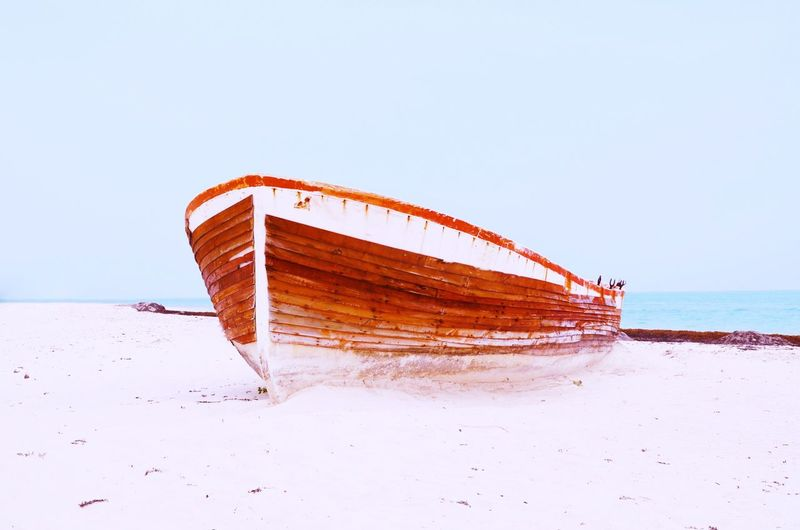 Empty Transportation Rusty Antique Agameoftones Lonely Wood - Material Barco Beach Day Beachphotography Old Boat Sailboat Empty Sea Sky Water Clear Sky Beach Horizon Horizon Over Water Tranquility Outdoors No People Beauty In Nature Abandoned Sand Ship Copy Space Nautical Vessel Scenics - Nature Land
