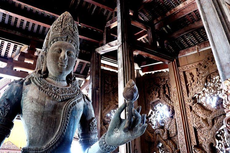 Statue History