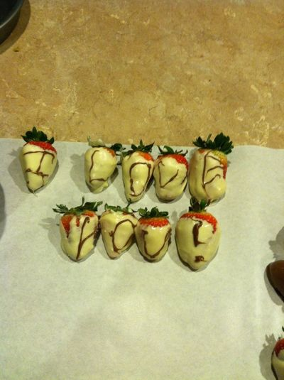 Making Chocolate Coverd Strawberries And This Is What He Wrote Me :) ❤ #talent #iloveyoutoobabe @srofe20