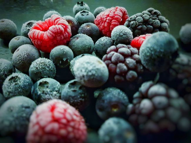 Frozen Berry Kontrast Blackberry Blueberry Raspberry Frozen Fruit Fruit No People Food And Drink Close-up Healthy Eating Freshness Red Food