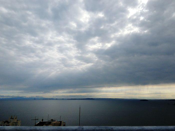 一人で海を感じたい。騒がしい日常を整理するように海沿いをランニング。 First Eyeem Photo Sea Ocean Japan Beauty In Nature