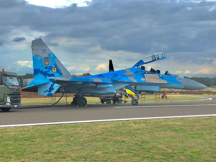 Su-27 Flanker Flanker Su-27 Air Vehicle Airplane Transportation Mode Of Transportation Airport Sky Cloud - Sky