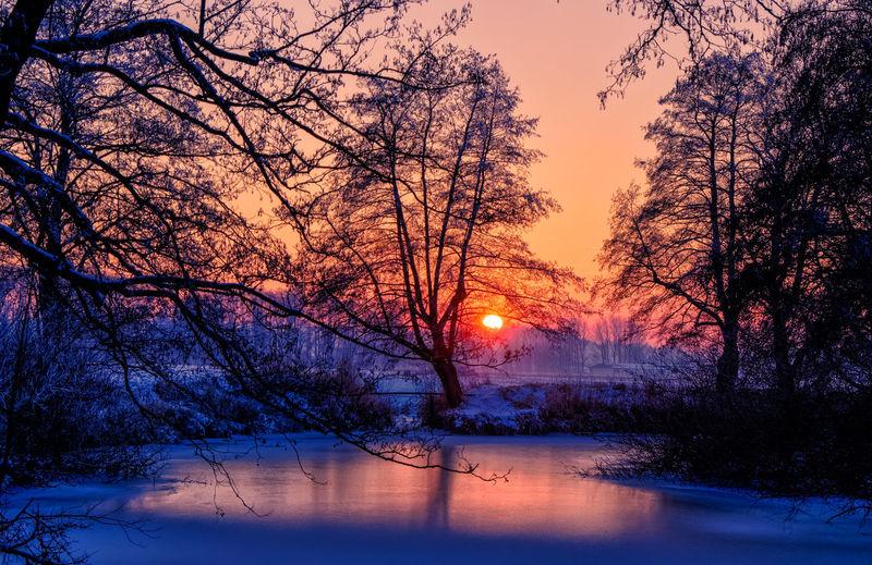 Eis Fluss Isen Isen Kalt Landkreis Mühldorf Rot-blau Silhouette Sonenuntergang Winterlandschaft