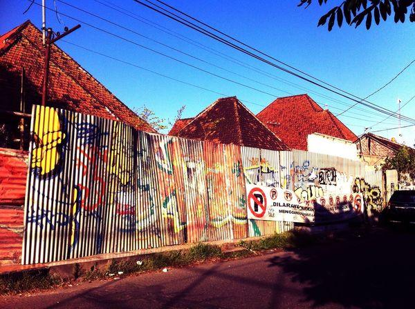 Grafitti Graffiti Red IPhoneography Kitcamera Streetphotography Streetart Urban Lifestyle