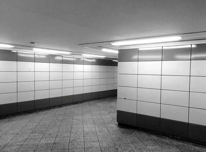 Day 357 - Frankfurter Allee Minimalism Berlin Blackandwhite Minimalism Lines Light Neon Ubahn Public Transportation Monochrome Photography Frankfurter Allee 365florianmski 365project Day357