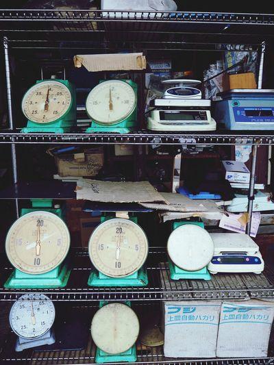 Wallpaper Street Agian Vintage Scale  Balance Shop For Sale Market Street Market Retail Display Fish Market