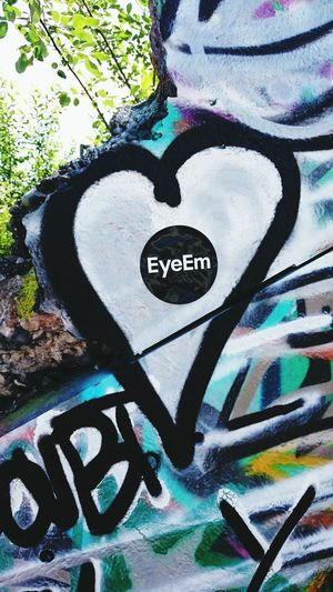 Eea3 - Munich Eyeem Global Adventure - Munich Munich Streetart/graffiti Streetphotography Heart Lovelife Hello World EyeEm Germany EEA3