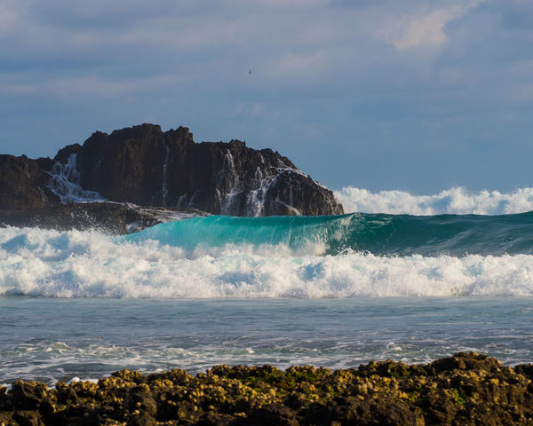 Waves crashing on the shoreline ASIA INDONESIA Lombok-Indonesia Blue Surface High Tide Indonesia_allshots Indonesia_photography Ocean Rocks And Water Surface Level