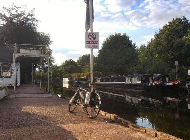 Bike Bicycle Canal Bicicleta Outdoors Bikeporn Bici Black Country Bikesaroundtheworld Canal No Cycling No Cycling Sign No Cycling Beyond This Point