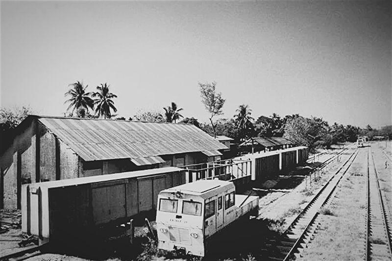 Myanmar 2x15 Old Building  Oldtrainrailway Butitssimple Bagocity
