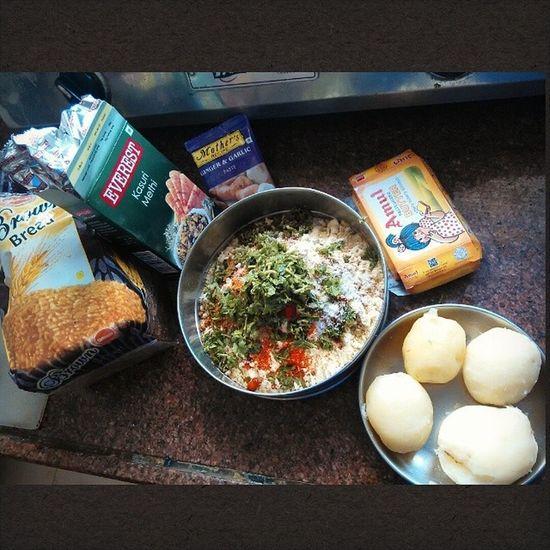 Prep for Bread Pakoda Potato amul butter everestmasala monsoon