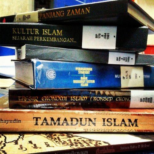 Kalah orang buat thesis T___T *Ini semua poyo* Ctu Accountancy Group Assignment islamic accounting history
