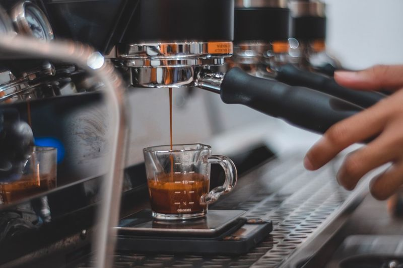 Coffee Espresso Coffeemaker Coffeemachine Hand Human Hand Drink Human Body Part Food And Drink Refreshment One Person Coffee Coffee - Drink Indoors  Holding Cup Finger Close-up Human Finger Alcohol Bar - Drink Establishment Coffee Cup Body Part Glass