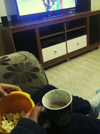 Noiteboa, Pipoca Hot Chocolate Netflix❤️ :) First Eyeem Photo